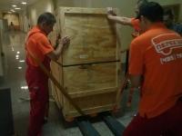 Разгрузка и внос антикварной мебели в торговый центр на Рублевке