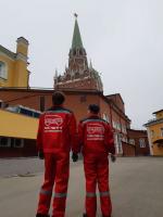 Переноска двигателя в Московский Кремль