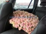 Нашему клиенту понадобилось привезти розы для своей любимой